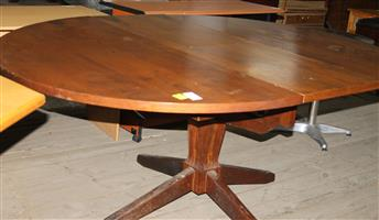 Round dining room table S031453A #Rosettenvillepawnshop