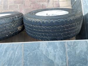 Toyoya Hilux x4 rims and tyres 255/70/15