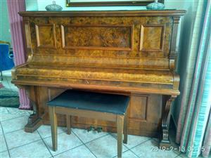 Waldemar Antique piano