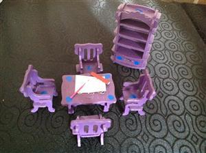 Dollhouse furniture mini set