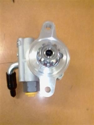 POWER STEERING PUMP QUANTUM 2TR 2.7 PETROL