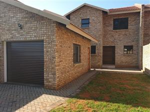 3 Bedroom Townhouse to rent in Hadison Park