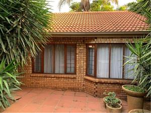 2 bedroom house for rent  in Faerie Glen Pretoria