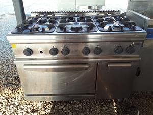 Electrolux 6 Plate Gas Stove and Electrical Oven
