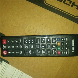 32 samsung led tv with remote and box
