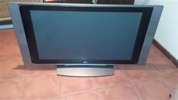 LG FLATSCREEN TELEVISIE