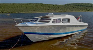 Baronet Cabin boat with 75hp electric trim and Tilt 75hp Yamaha engine.