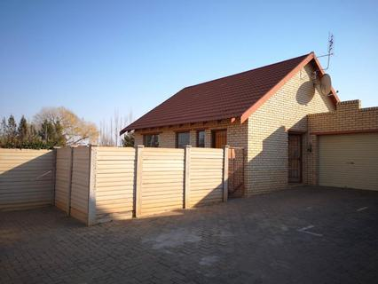Townhouse Rental Monthly in LANGENHOVENPARK
