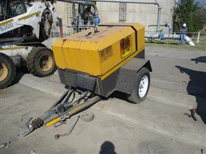 F2L 1011F Mobile Air Compressor - ON AUCTION