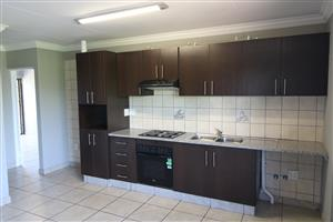 2 Bedroom 2 Bathroom Modern Student Apartment 600m from NWU