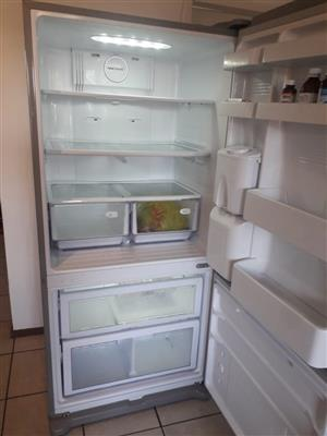 Selling my 710L Sumsang fridge for R5500