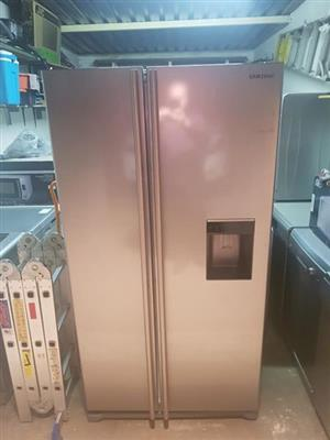 Samsung double door fridge with water despenser