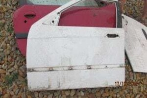 BMW E36 LEFT FRONT DOOR SHELL – USED