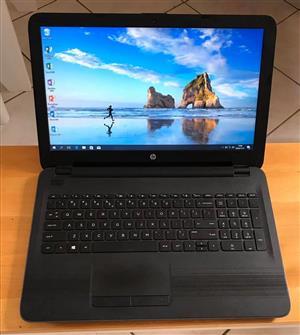 HP Laptop 4G ram / 500G hard drive  Windows 10 / Microsoft office