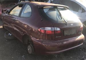 Daewoo lanos 1995 2lt 16v stripping for spares