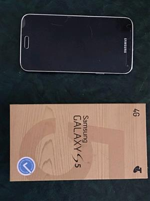 Samsung galaxy s5 16gb lte black as new in the box for sale  Johannesburg - Randburg