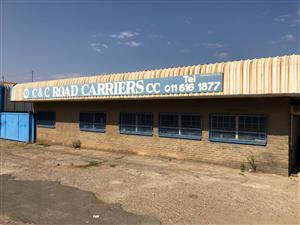URGENT. YARD TO LET - TRUCK YARD - CONTAINERS - STORAGE Yard, plus secure Office CLEVELAND