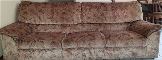 Lounge suite (3,2,1 seater) for sale