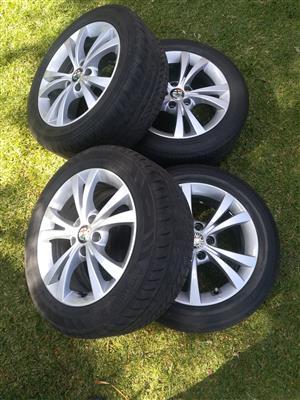 Original Alfa Romeo Giulietta Mag Wheels and Tyres