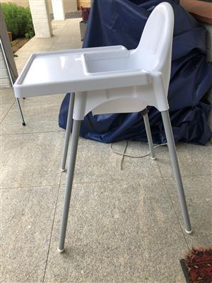 Feedin Chair