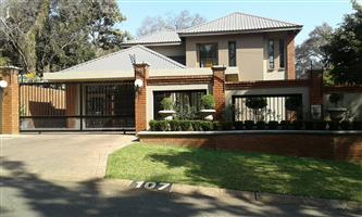 Modern 4-bedroom house for sale in Pretoria North