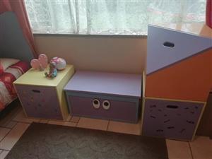 Girls bedroom suite for sale