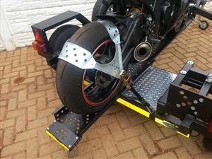Superbike tyre tie down straps