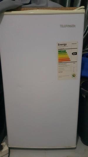 Telefunken bar fridge