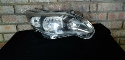 Toyota Corolla Professional Quest Right Side Headlight