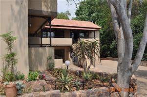 Upper class Fully furnished Bachelor flats to rent in Lynnwood Ridge, Pretoria