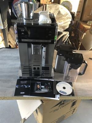 Delonghi Primadonna Exclusive Coffee Machine