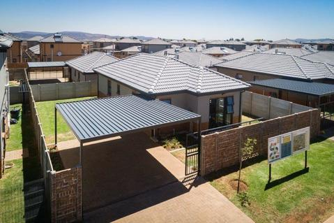 3 Bedroom House For Sale in Naturena, Johannesburg