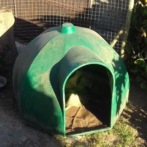 dog kennel  large jojo igloo look.