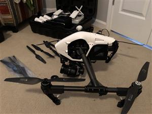 DJI Inspire 1 PRO with zenmuse x5 ,5 Batteries, 2 Remotes, extra x3, extras