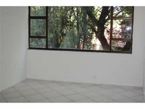 Near Greenstone and Edenvale Hospital 1bedroomed flat to rent for R3900