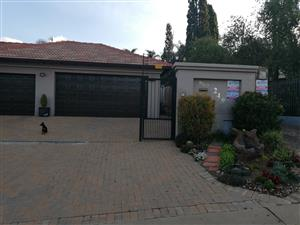 MODERN HOUSE IN ERASMUSRAND (PRETORIA) FOR SALE