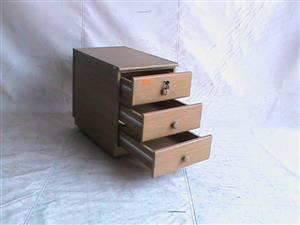 3 drawer oak mobile pedestal
