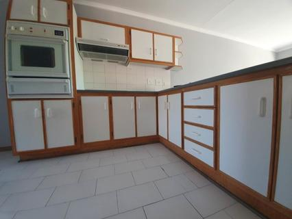 Townhouse For Sale in Helicon Heights
