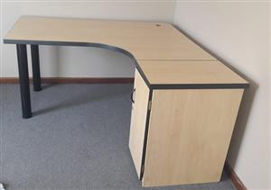 2 Office desks or study desks for sale