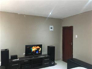 Studio/Bachelor Pad (Room) to Rent in Protea North Ext 1 (Policeview) R2800.00