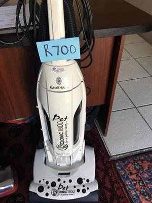 Russel Hobs Pet vacuum cleaner