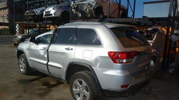 Stripping for spares  JEEP GRAND CHEROKEE 3.0L V6 CRD LTD 2012 SILVER