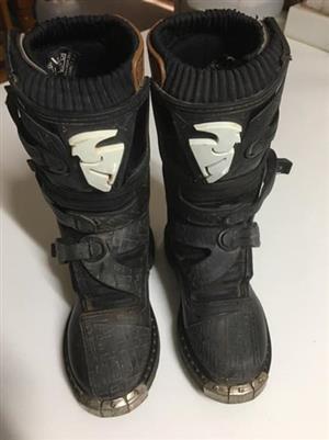 Size 3 Thor Blitz MX boots