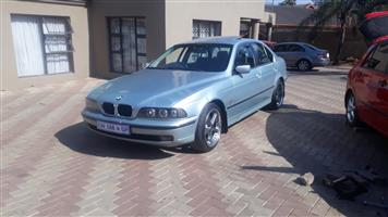 2000 BMW 5 Series 528i Exclusive