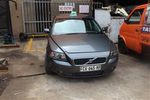 CURRENTLY STRIPPING V237 VOLVO S40 T5 MANUAL