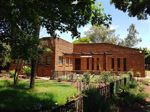 Ruim woonhuis op hoewe naby Randfontein