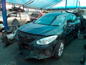 RENAULT FLUENCE 1.6 16V STRIPPING FOR SPARE PARTS