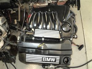 BMW E90 320i N46B ENGINE R24000