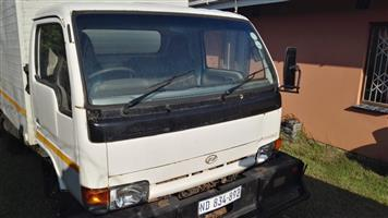 Nissan 3.5 UD Truck for Sale