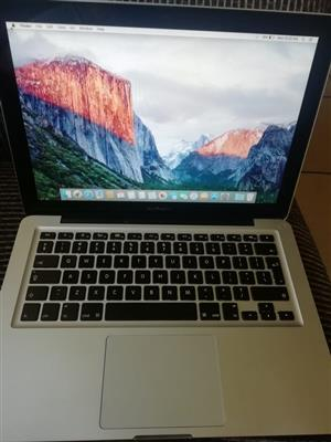 Apple Macbook Pro 2,5 GHz intel Core i5